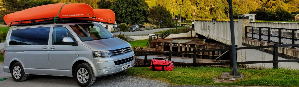 Shuttle Two Canoes on Minibus Roof Aberchalder 1200×350